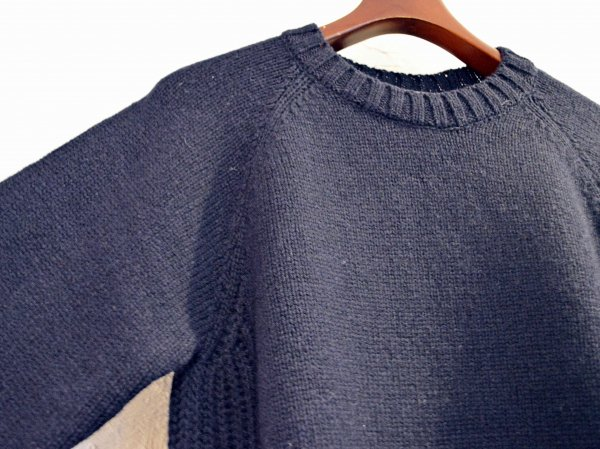 LANDNOAH Sweter 【Navy】 / soglia <img class='new_mark_img2' src='//img.shop-pro.jp/img/new/icons1.gif' style='border:none;display:inline;margin:0px;padding:0px;width:auto;' />