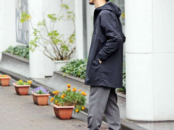 GLDER COAT 【BLACK】 / ionoi<img class='new_mark_img2' src='//img.shop-pro.jp/img/new/icons1.gif' style='border:none;display:inline;margin:0px;padding:0px;width:auto;' />