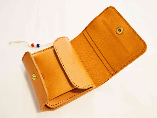 HALF TEEPEE WALLET 【BROWN】 / MAGGIE FARM