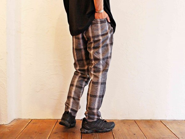 GALLIANO PANTS 【GRAY】 / NASNGWAM<img class='new_mark_img2' src='//img.shop-pro.jp/img/new/icons1.gif' style='border:none;display:inline;margin:0px;padding:0px;width:auto;' />