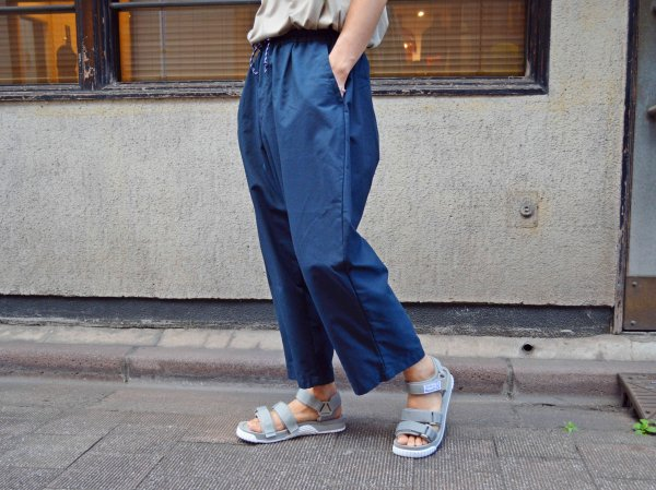 Slacks Easy Cropped 【NAVY】 / SPELLBOUND