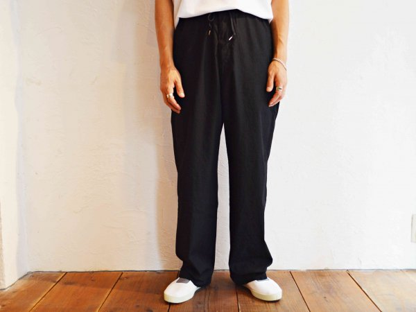 Wide Easy Pants 【BLACK】 / SPELLBOUND<img class='new_mark_img2' src='//img.shop-pro.jp/img/new/icons1.gif' style='border:none;display:inline;margin:0px;padding:0px;width:auto;' />