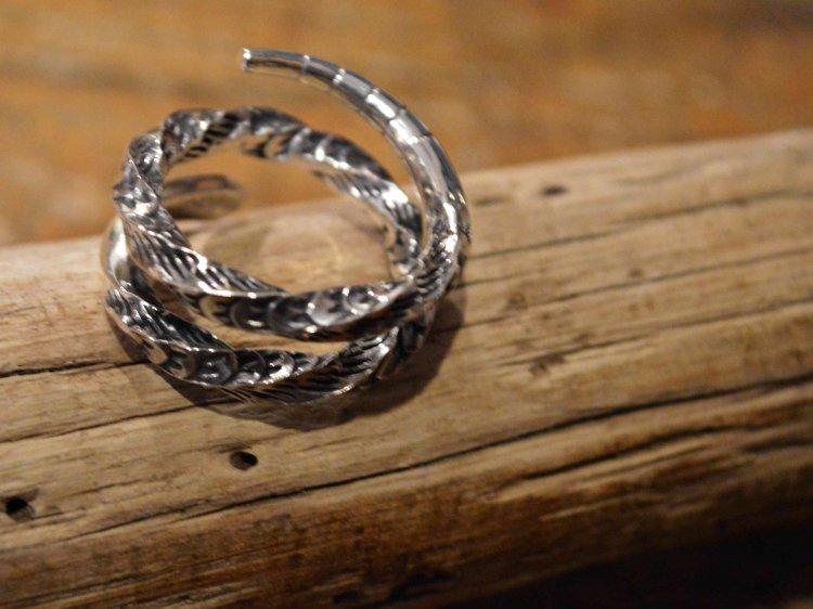 Snake Ring / Tsunai Haiya