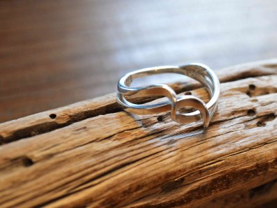 ISLETA RING(MICHAEL KIRK マイケル カーク) / indian jewelry<img class='new_mark_img2' src='https://img.shop-pro.jp/img/new/icons1.gif' style='border:none;display:inline;margin:0px;padding:0px;width:auto;' />