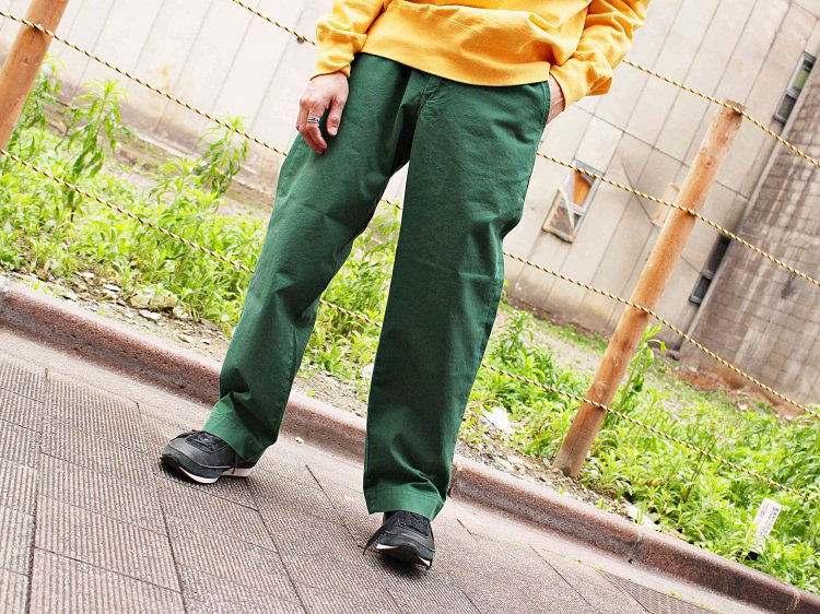 CHINO 【GREEN】 / necessary or unnecessary<img class='new_mark_img2' src='https://img.shop-pro.jp/img/new/icons1.gif' style='border:none;display:inline;margin:0px;padding:0px;width:auto;' />