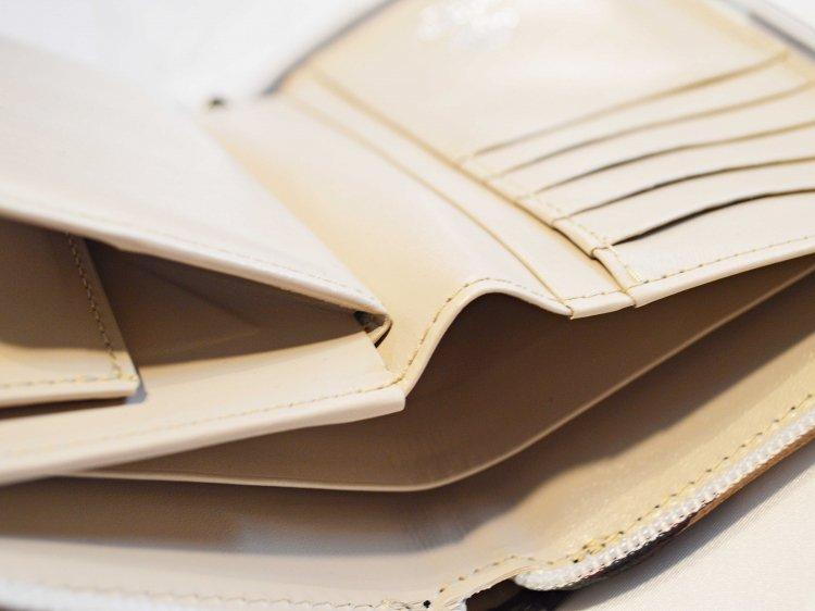 soft glass Round Wallet 【Beige】 / soglia