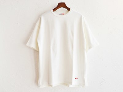 HABIT TEE 【WHITE】 / ionoi<img class='new_mark_img2' src='https://img.shop-pro.jp/img/new/icons1.gif' style='border:none;display:inline;margin:0px;padding:0px;width:auto;' />