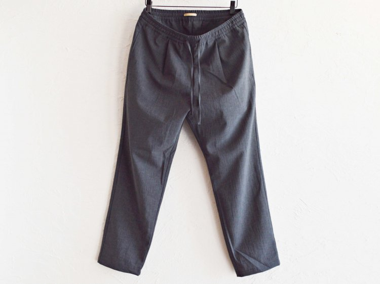 SHARI PANTS 【CHAMBRAY BLACK】 / LAMOND