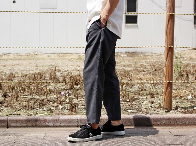 SHARI PANTS 【CHAMBRAY BLACK】 / LAMOND <img class='new_mark_img2' src='https://img.shop-pro.jp/img/new/icons1.gif' style='border:none;display:inline;margin:0px;padding:0px;width:auto;' />