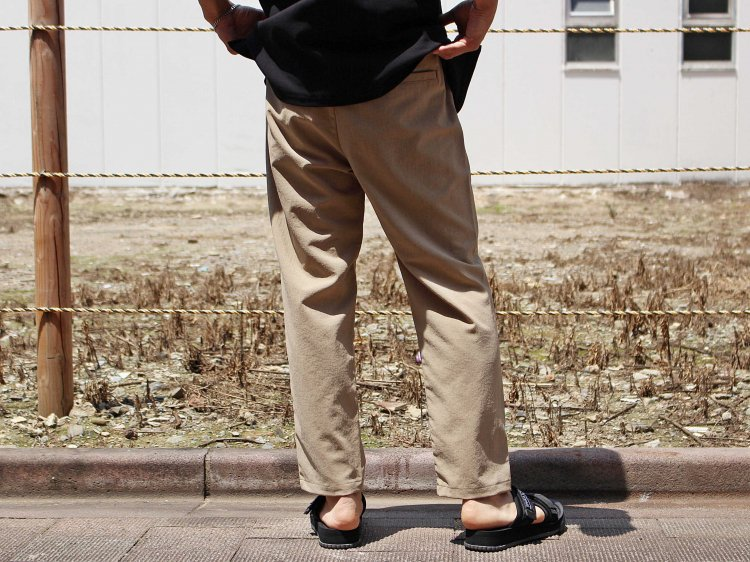 SHARI PANTS 【BEIGE】 / LAMOND <img class='new_mark_img2' src='https://img.shop-pro.jp/img/new/icons1.gif' style='border:none;display:inline;margin:0px;padding:0px;width:auto;' />