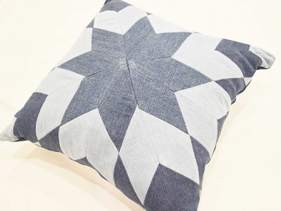 MORNINGSTAR CUSHION 【STAR-�】 / Nasngwam.<img class='new_mark_img2' src='https://img.shop-pro.jp/img/new/icons1.gif' style='border:none;display:inline;margin:0px;padding:0px;width:auto;' />