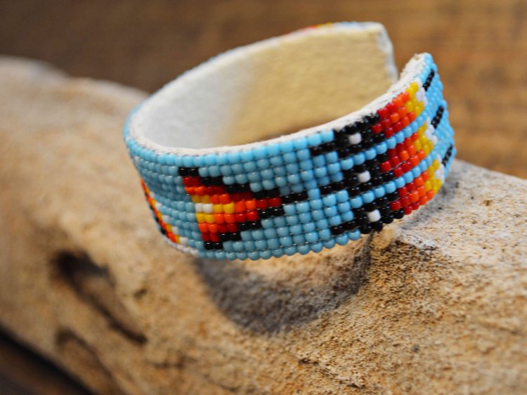 Navajo BEADS BANGLE / indian jewelry<img class='new_mark_img2' src='https://img.shop-pro.jp/img/new/icons1.gif' style='border:none;display:inline;margin:0px;padding:0px;width:auto;' />