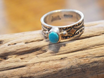 Navajo RING (Kevin Ramone ケビン ラモーン) / Indian jewelry<img class='new_mark_img2' src='https://img.shop-pro.jp/img/new/icons1.gif' style='border:none;display:inline;margin:0px;padding:0px;width:auto;' />