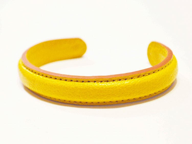 Chevre Bangle 【Yellow】 / ITUAIS