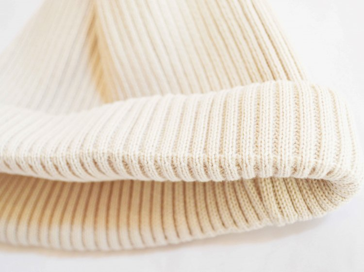 COTTON ROLL UP BEANIE 【IVORY】 / RoToTo<img class='new_mark_img2' src='https://img.shop-pro.jp/img/new/icons1.gif' style='border:none;display:inline;margin:0px;padding:0px;width:auto;' />