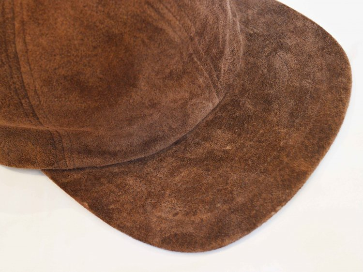 morno モーノ / PIG SUEDE B.B CAP ベースボールキャップ (BROWN / ブラウン)<img class='new_mark_img2' src='https://img.shop-pro.jp/img/new/icons1.gif' style='border:none;display:inline;margin:0px;padding:0px;width:auto;' />