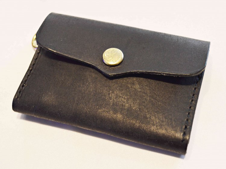 saranam サラナン / LEATHER NECK WALLET レザーネックウォレット (BLACK ブラック)<img class='new_mark_img2' src='https://img.shop-pro.jp/img/new/icons1.gif' style='border:none;display:inline;margin:0px;padding:0px;width:auto;' />