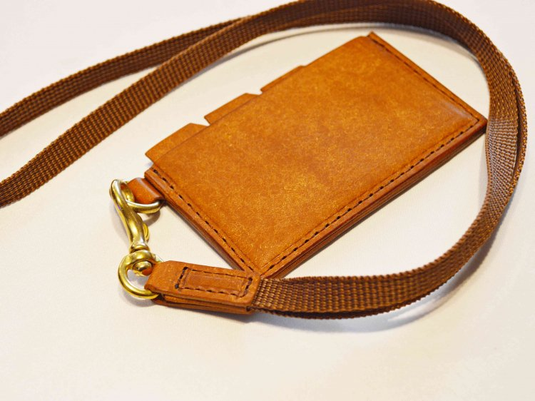 saranam サラナン / LEATHER NECK WALLET レザーネックウォレット (BROWN ブラウン)<img class='new_mark_img2' src='https://img.shop-pro.jp/img/new/icons1.gif' style='border:none;display:inline;margin:0px;padding:0px;width:auto;' />
