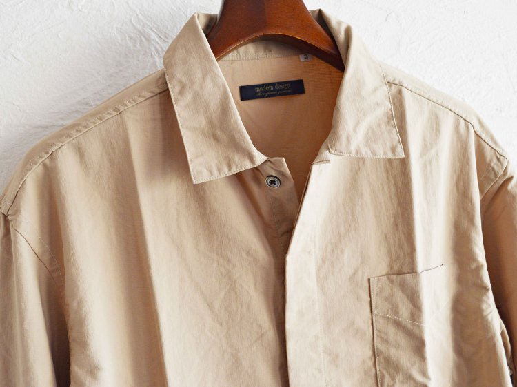 modemdesign モデムデザイン / NYLON SHIRTS ナイロンシャツ (BEIGE ベージュ) <img class='new_mark_img2' src='https://img.shop-pro.jp/img/new/icons1.gif' style='border:none;display:inline;margin:0px;padding:0px;width:auto;' />