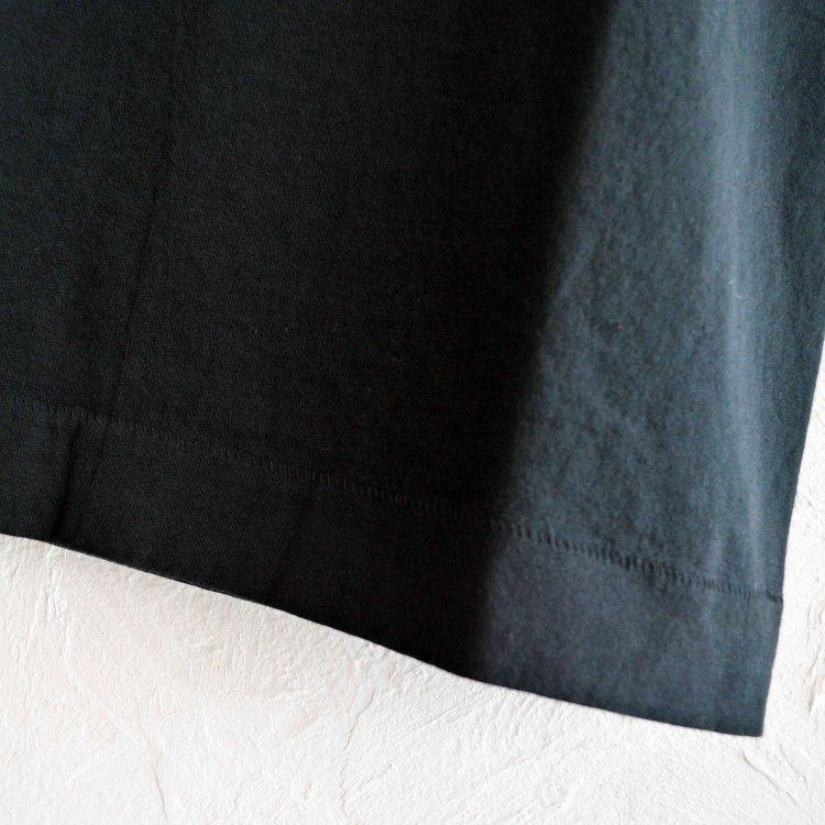 necessary or unnecessary ネセサリーオアアンネセサリー / Django ジャンゴ Tシャツ (BLACK ブラック) <img class='new_mark_img2' src='https://img.shop-pro.jp/img/new/icons1.gif' style='border:none;display:inline;margin:0px;padding:0px;width:auto;' />