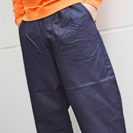 TEXTURE WE MADEWIDE テクスチャーウィーメイド / TUCK TROUSERS タックトラウザー / INDIGO インディゴ<img class='new_mark_img2' src='https://img.shop-pro.jp/img/new/icons55.gif' style='border:none;display:inline;margin:0px;padding:0px;width:auto;' />