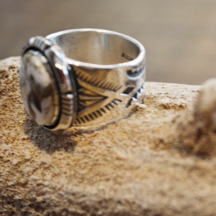 Indian jewelry インディアンジュエリー / Navajo RING ナヴァホリング( Cooper Willie クーパー ウィリー) <img class='new_mark_img2' src='https://img.shop-pro.jp/img/new/icons1.gif' style='border:none;display:inline;margin:0px;padding:0px;width:auto;' />