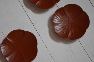 富井貴志/豆皿 mamekuru 梅(ヤマザクラ/拭漆/赤)