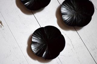 富井貴志/豆皿 mamekuru 梅(ヤマザクラ/拭漆/黒)
