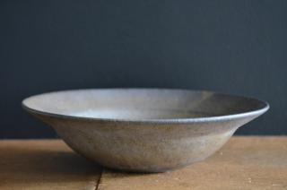清岡幸道/錆釉リム鉢