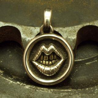 FAKE SMILE ・ PRIDE of Blue Collar