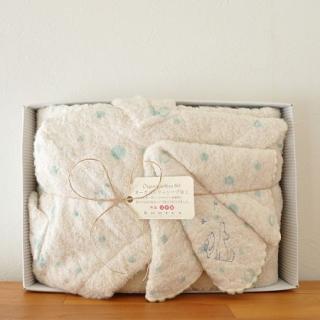 gift set 出産のお祝いに---フード付きバスタオル+ハンカチセット