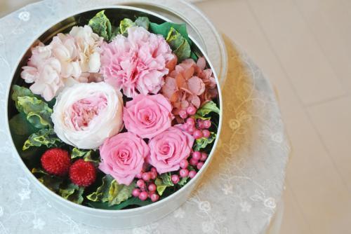 エクラン ピンク【お祝い!誕生日に!ボックスアレンジのプリザーブドフラワー】