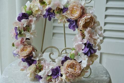 アンティークカラーの玄関リース♪【結婚祝いに!新築祝いに!アンティークカラーのアートフラワー】