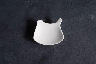 yumiko iihoshi porcelain イイホシユミコ tori plate トリプレート suna