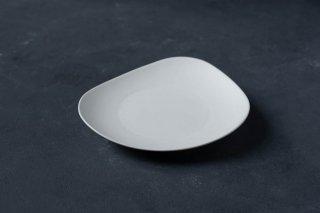 yumiko iihoshi porcelain イイホシユミコ SHIONARI plate 195mm color:white