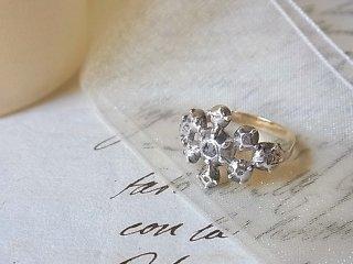 ローマの雪の結晶のリング