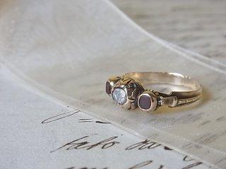 古のダイヤ&ガーネットのリング