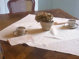 春を呼ぶ桜色のお茶用小さなクロス