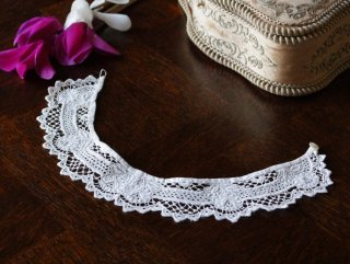 白刺繍の少女用の飾り襟