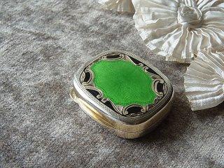 緑&黒のギロッシュエナメルの小箱