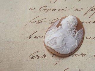 19世紀の麗しい天使カメオルース