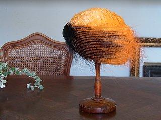 黒&橙色・アールデコの羽根帽子