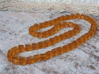 アールデコの蜂蜜色硝子ネックレス