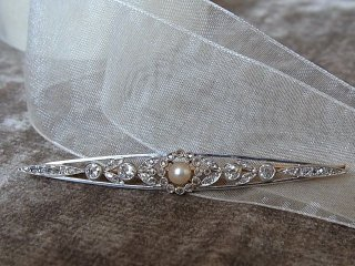 天然真珠&ダイヤのバーブローチ
