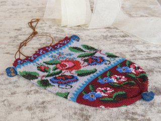 薔薇と勿忘草のビーズ巾着バック