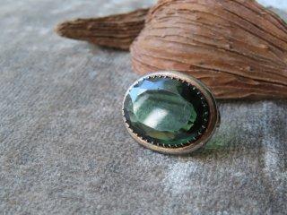 深緑ペーストのアンティークブローチ