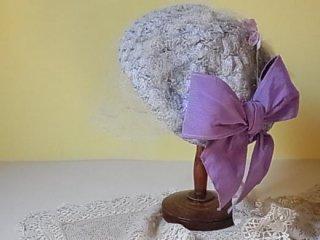 ビオラのお花とリボンのベレー帽