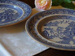19世紀のブルーウィローの平皿