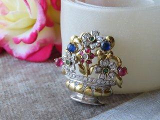 イタリアジュエラーの花籠ブローチ