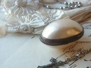 真珠貝のロザリオケース